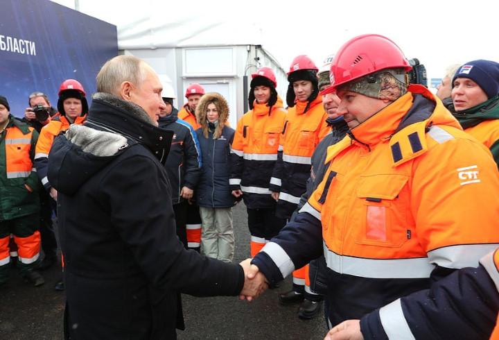 Никаких пробок на пути в Петербург и Ленобласть: Владимир Путин открыл транспортную развязку в Химках